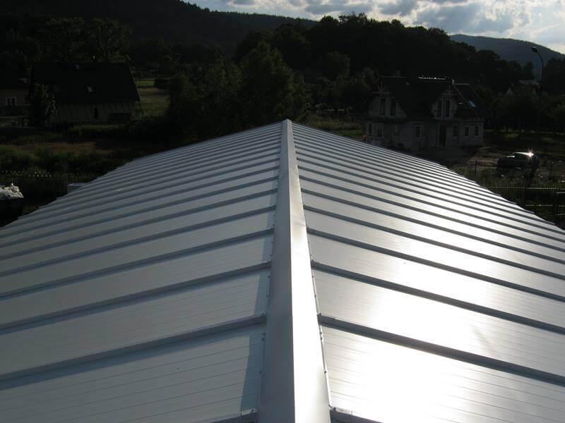 Dach z płyt warstwowych