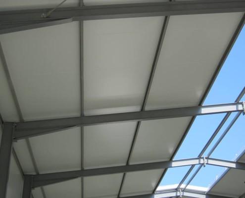 Konstrukcja dachu wraz z świetlikiem